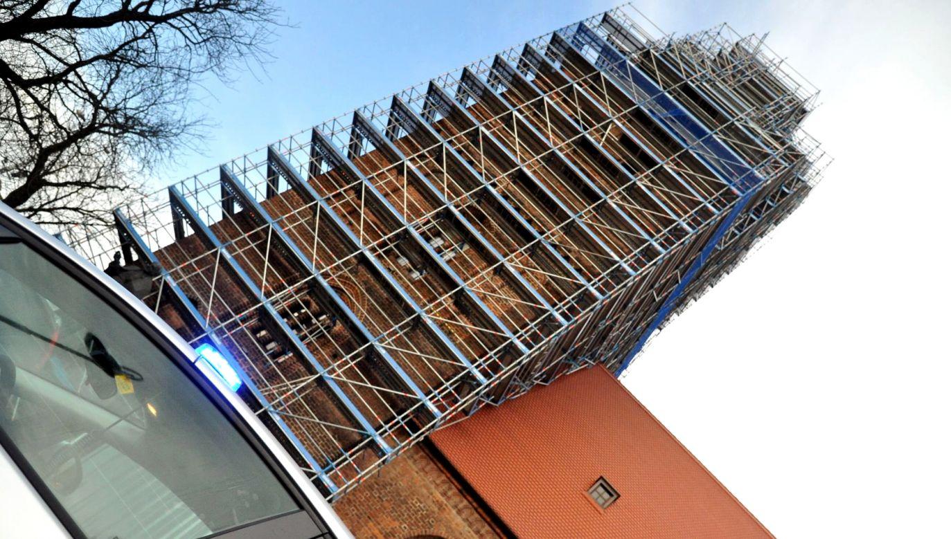 Mężczyźni weszli na rusztowanie katedry (fot. policja.pl)