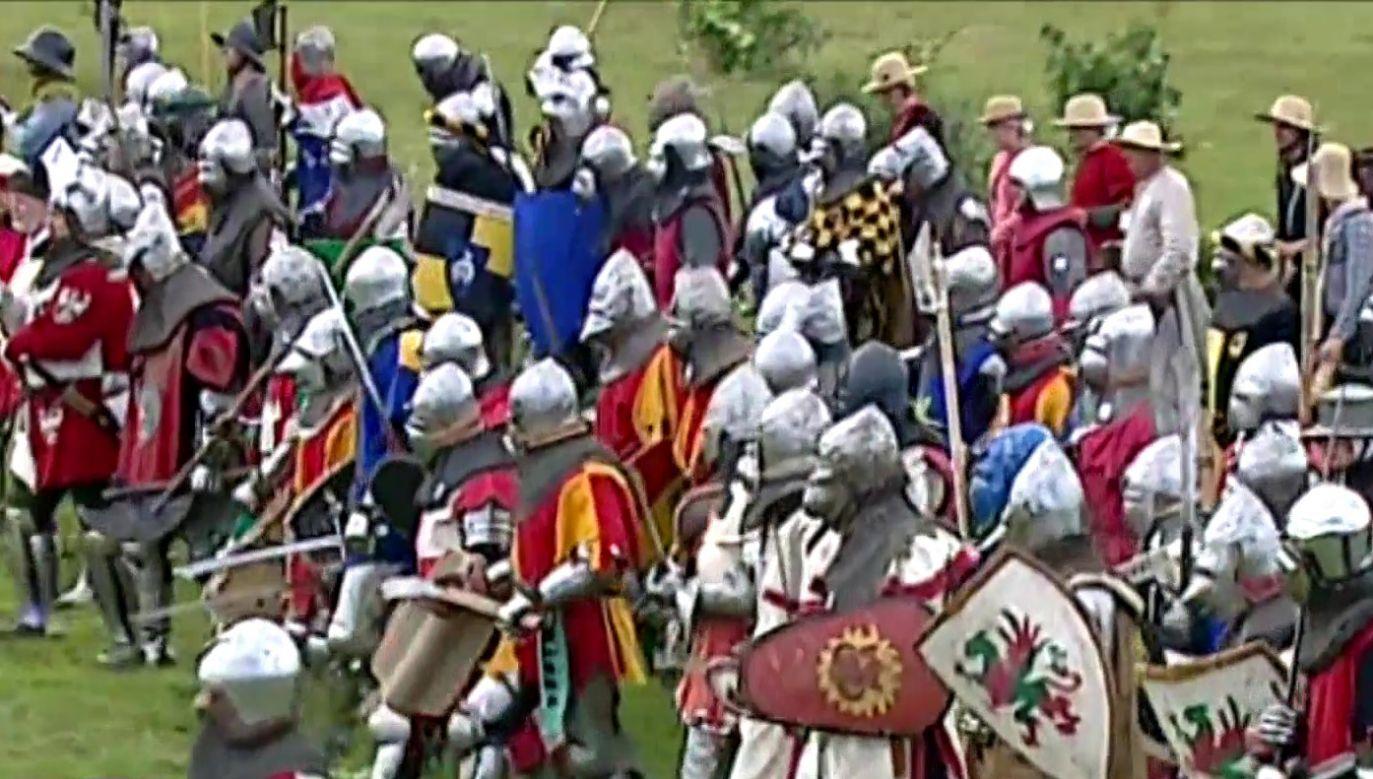 Na inscenizację historycznej bitwy przybyło 3,5 tys. rekonstruktorów z całej Europy (fot. TVP Info)