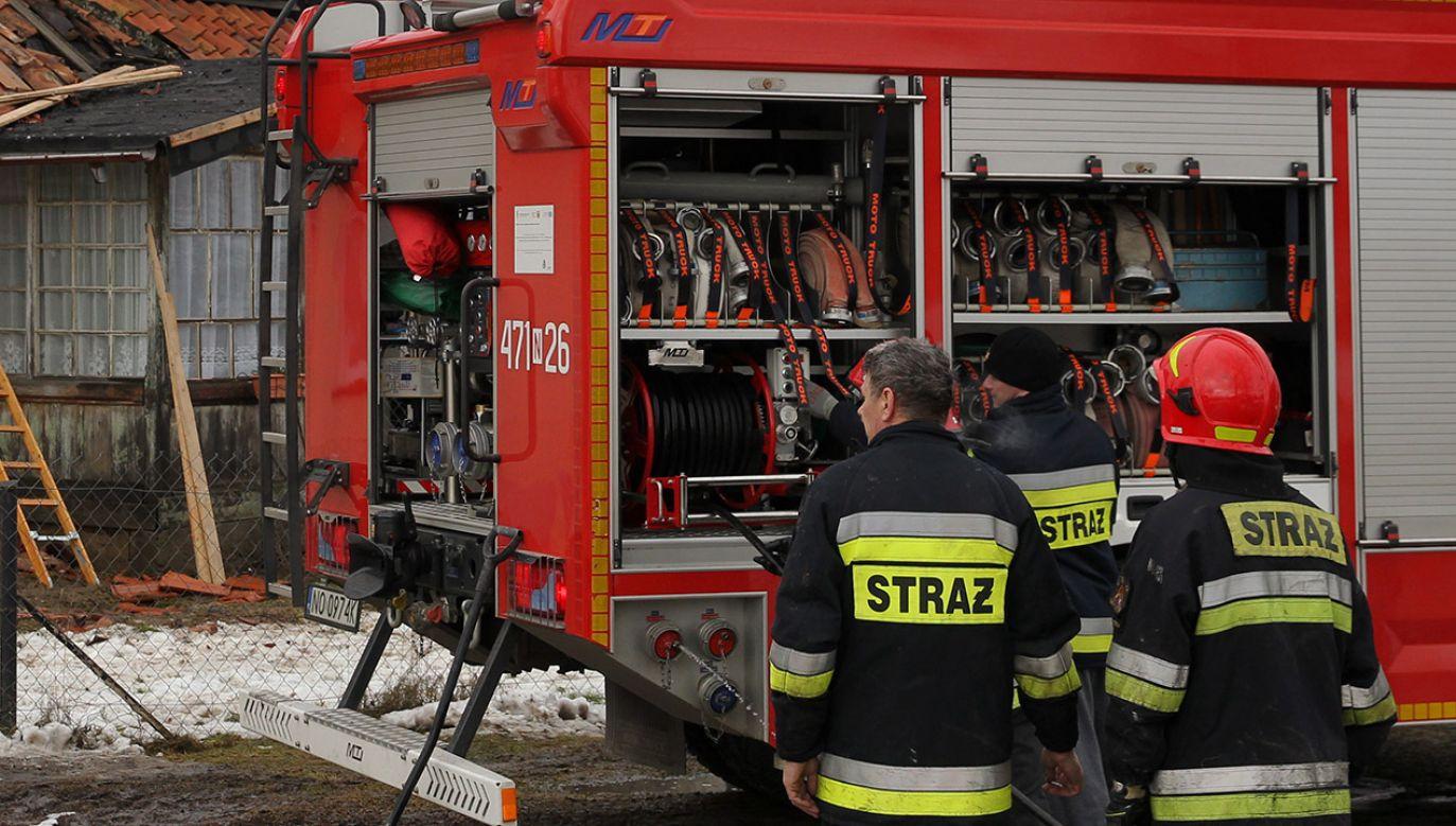 Straż pożarna ugasiła już pożar (fot. arch.PAP/Tomasz Waszczuk)