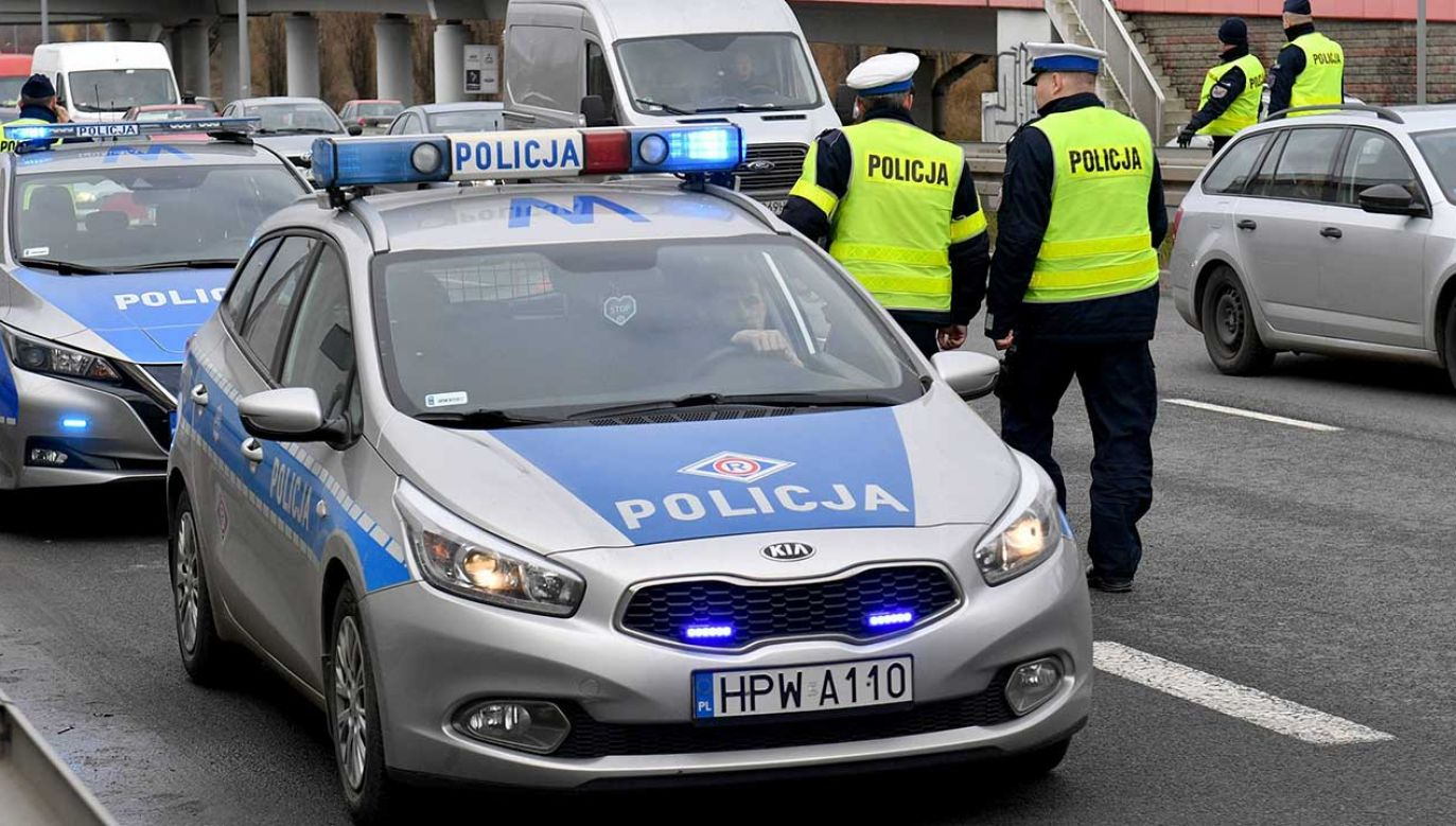 Reakcja szefa MSWiA na ataki na policję (fot. arch. PAP/Marcin Bielecki)
