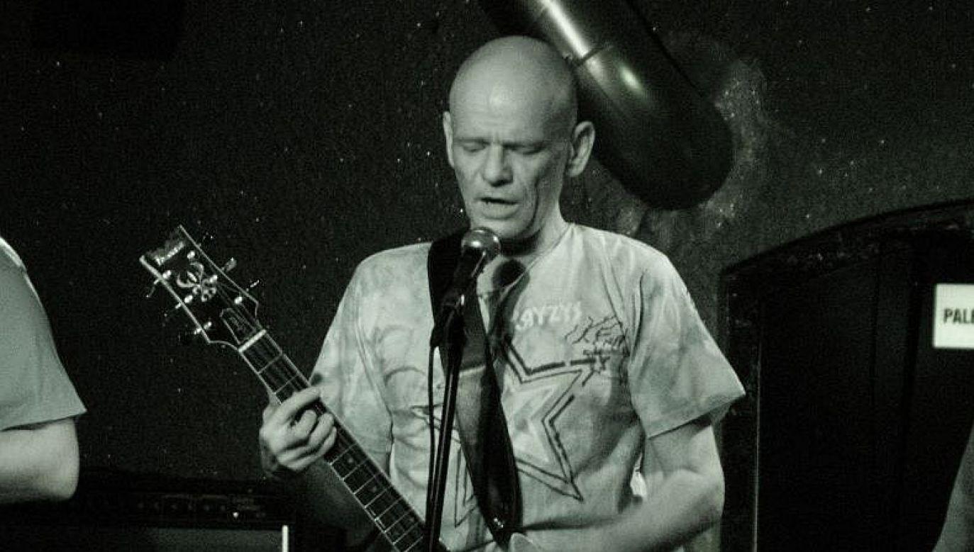 Muzyk miał 57 lat (fot. Wikimedia Commons)