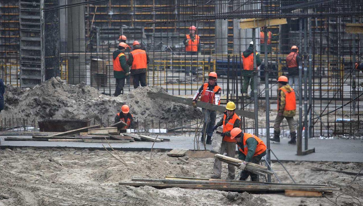 Większość cudzoziemców to Ukraińcy, którzy w Polsce znaleźli pracę (fot. arch. PAP/Grzegorz Jakubowski)