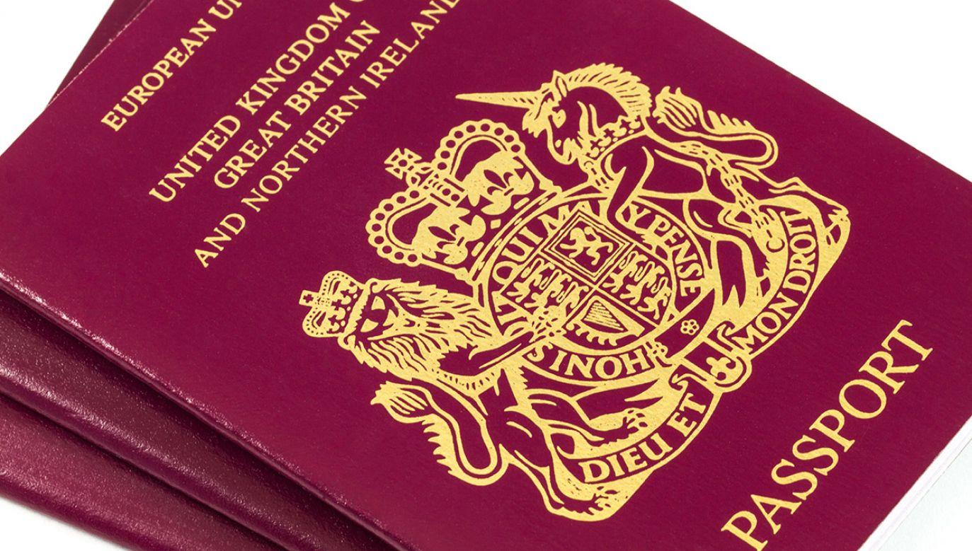 Mężczyzna przez przypadek zabrał z domu paszport swojego 4-letniego pasierba (fot. Shutterstock/Stephan Morris)