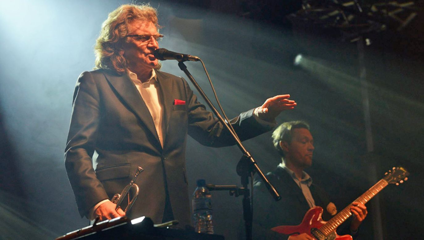 Zbigniew Wodecki był nie tylko piosenkarzem, ale i multiinstrumentalistą (fot. Wiki/Piotr Bieniecki)