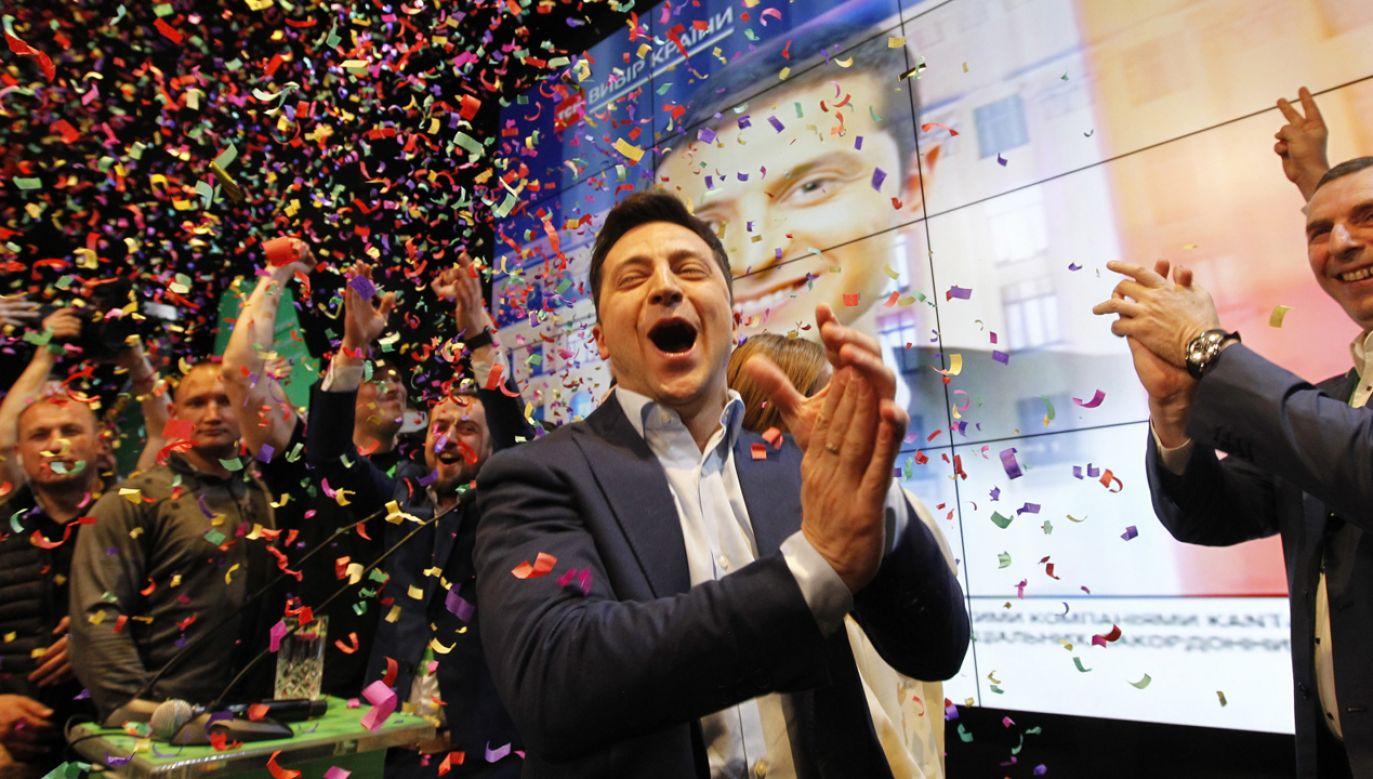 Zwycięzca niedzielnych wyborów prezydenckich na Ukrainie Wołodymyr Zełenski  (fot. PAP/EPA/STEPAN FRANKO)