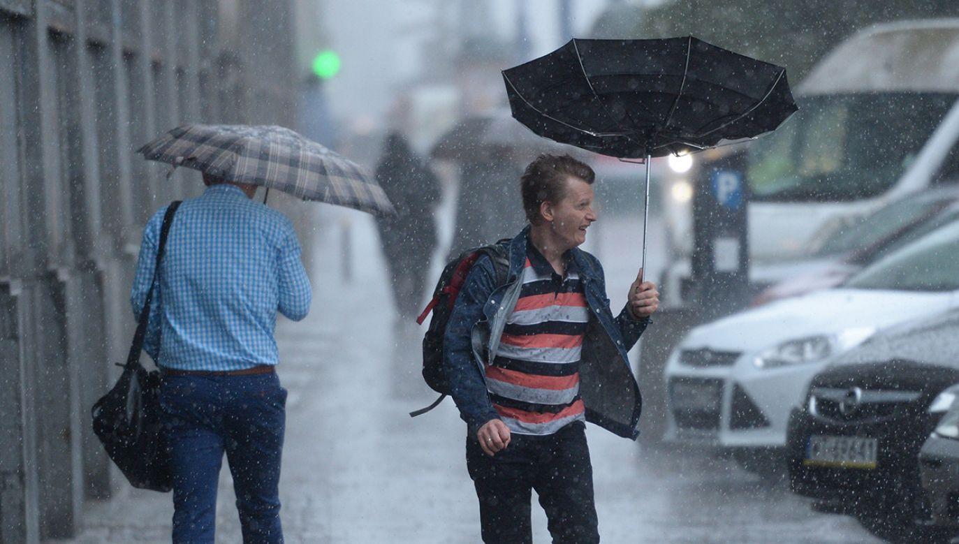 IMGW wydało ostrzeżenia pogodowe (fot. arch. PAP/Jacek Turczyk)