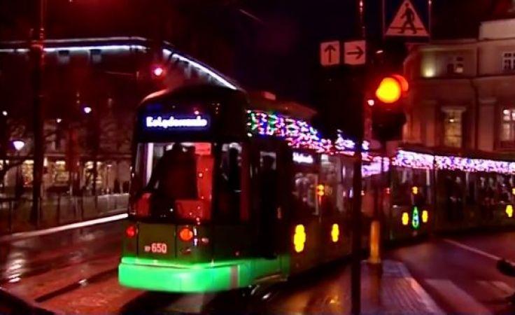 Kolędowy tramwaj. Radosne kolędowanie z metropolitą