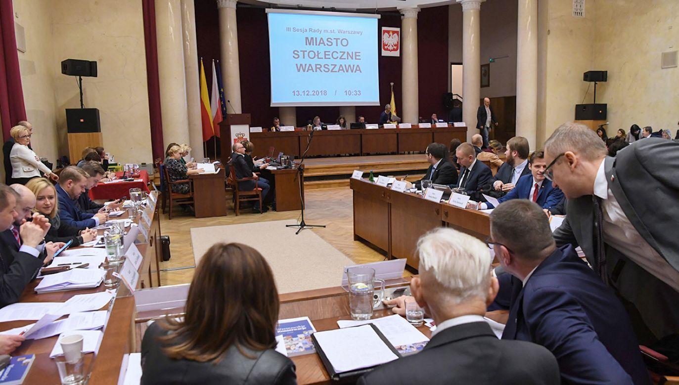 Stołeczni radni przegłosowali w grudniu, że bonifikata wyniesie zaledwie 60 proc. (fot. PAP/Piotr Nowak)