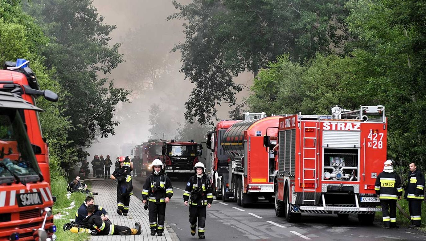 Pożar składowiska opon w Trzebini (fot. arch. PAP/Jacek Bednarczyk)