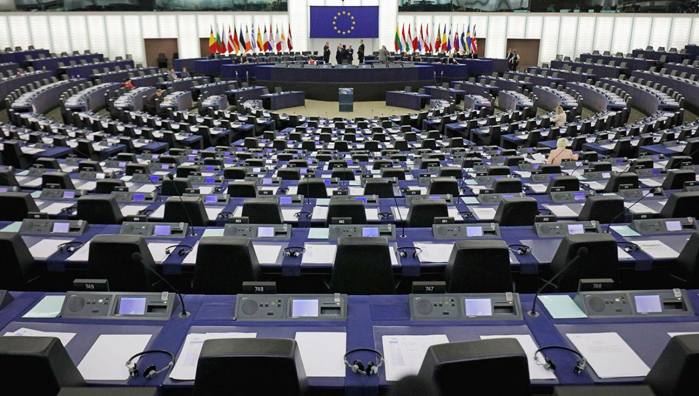 Projekt powiązania funduszy z UE z kwestią praworządności budzi wątpliwości z kilku powodów (fot. Christopher Furlong/Getty Images)