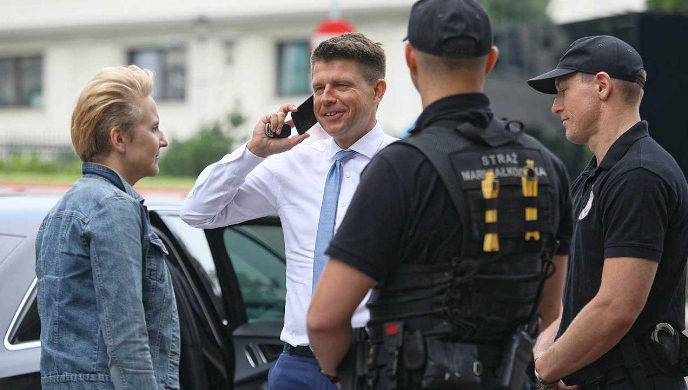 """Ryszard Petru brał udział w """"aferze bagażnikowej"""" (fot. PAP/Leszek Szymański)"""