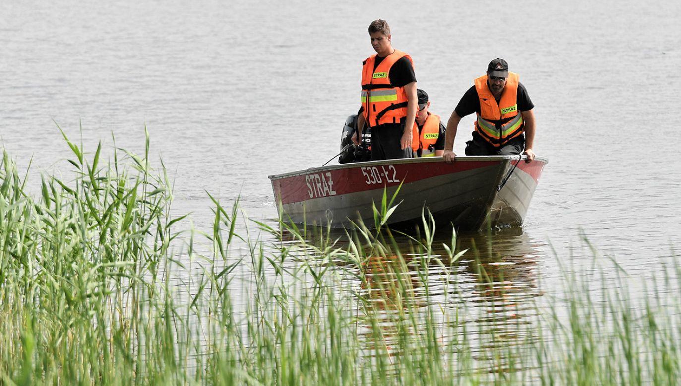 Chłopca znalazł w jeziorze płetwonurek ze Straży Pożarnej z Międzyrzecza (fot. arch.PAP/Marcin Bielecki, zdjęcie ilustracyjne)