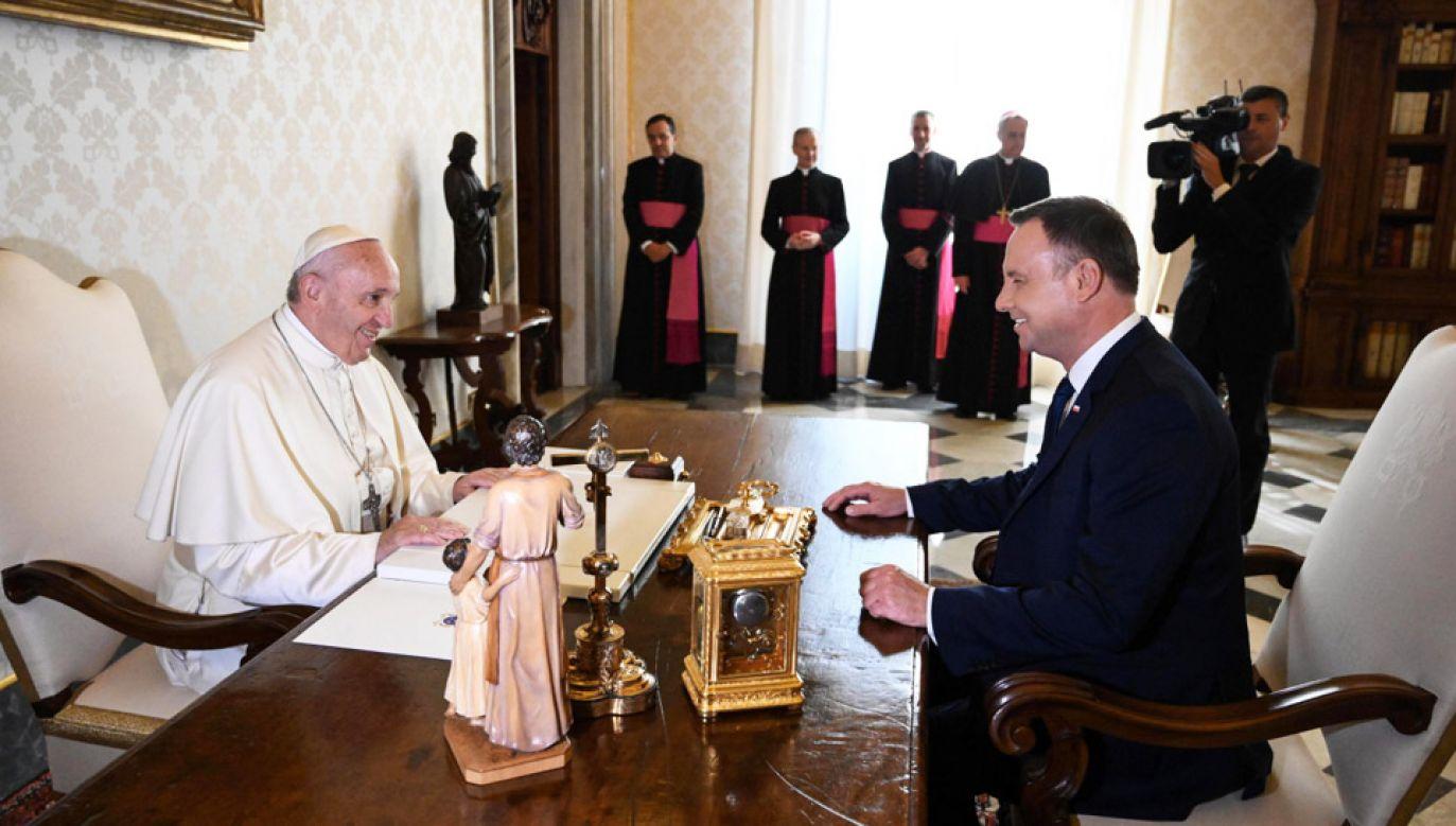 Prezydent Andrzej Duda został przyjęty na audiencji u papieża Franciszka (fot. PAP/EPA/ALBERTO PIZZOLI)