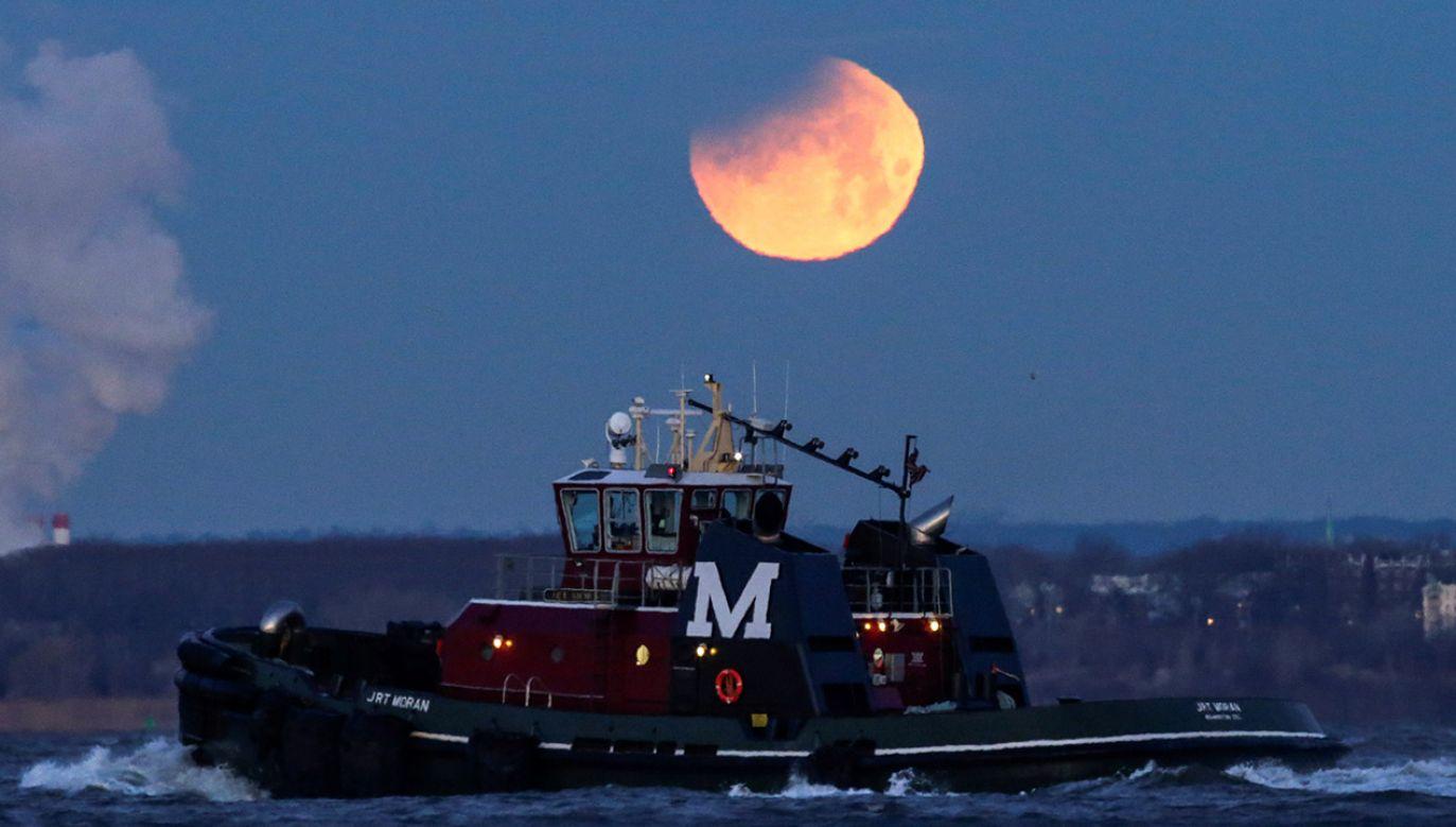 Zjawisko ma trwać 1 godzinę 42 minuty i 57 sekund (fot. REUTERS/Eduardo Munoz)