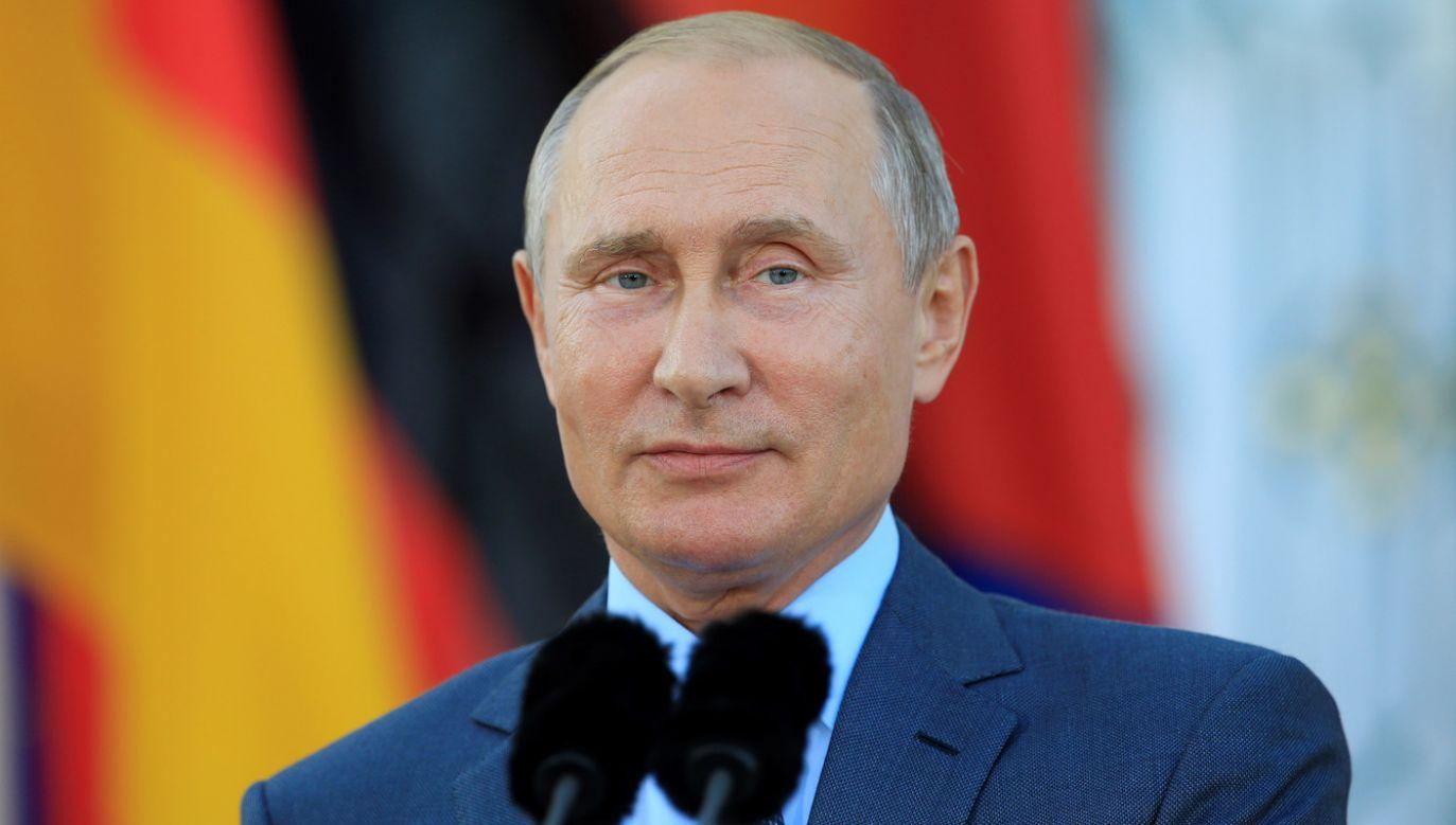 Po wizycie w Austrii, na weselu szefowej dyplomacji tego kraju, prezydent Putin udał się do Niemiec na rozmowy z kanclerz Merkel (fot. Abdulhamid Hosbas/Anadolu Agency/Getty Images)