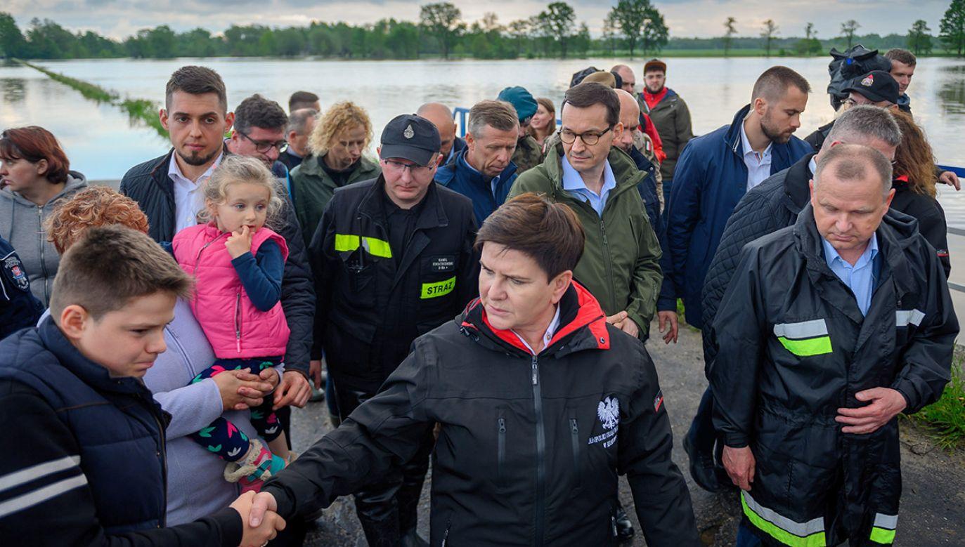 Zabezpieczenia są wystarczające, jesteśmy przygotowani na większą mobilizację, gdyby sytuacja się pogorszyła – zapewnia Beata Szydło (fot. PAP/Paweł Topolski)