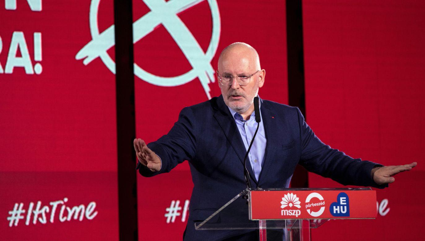 Frans Timmermans  na zjeździe Węgierskiej Partii Socjalistycznej (MSZP) w Budapeszcie  (fot. PAP/EPA/Balazs Mohai)