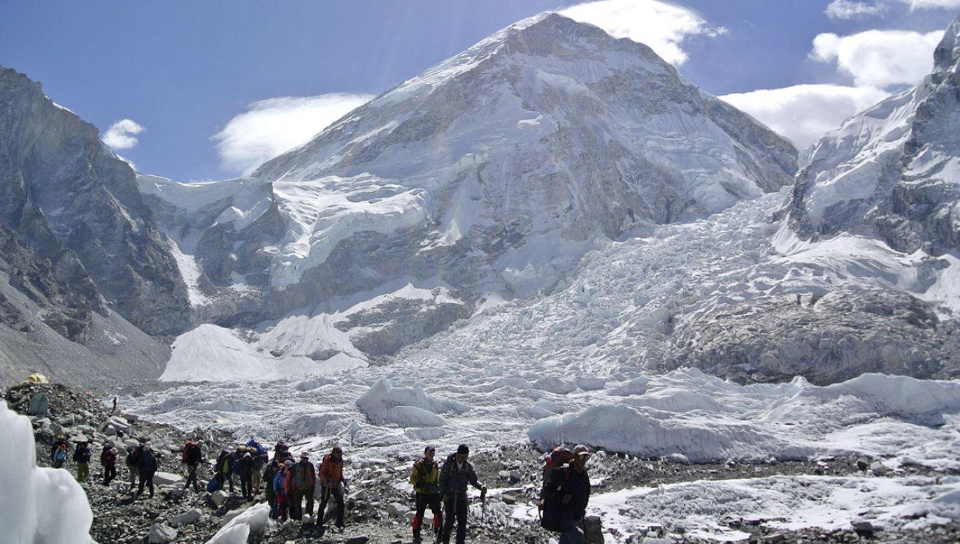 Wejście na szczyt (fot. REUTERS/Phurba Tenjing Sherpa)