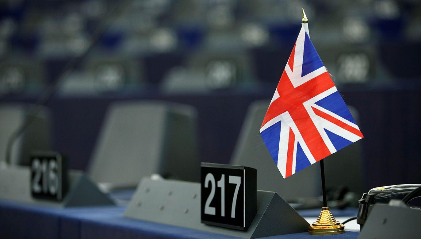 """Wiceszef KE podkreślił, że państwa UE będą wspierać Irlandię, aby nie powróciła """"twarda granica"""" z Irlandią Płn. (fot. REUTERS/Vincent Kessler)"""