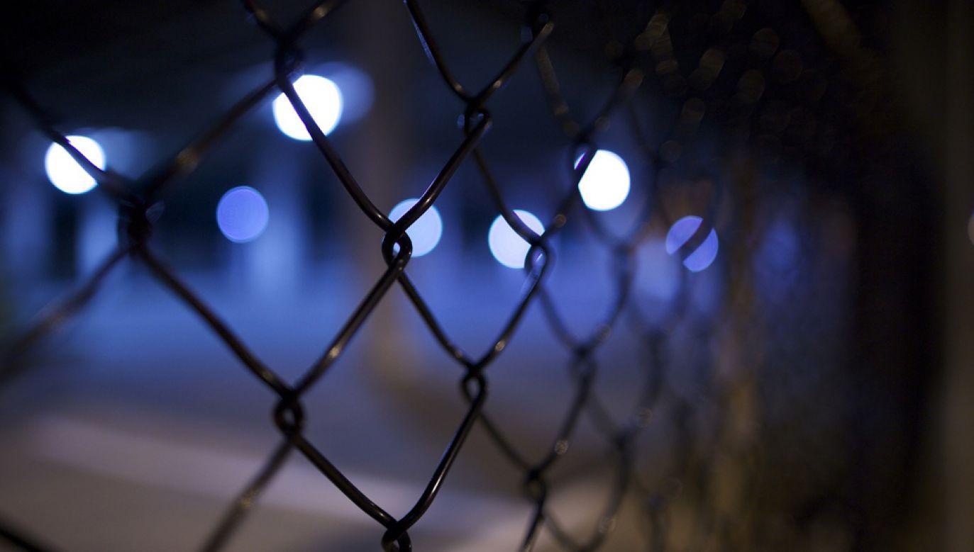 Na Korsyce dwóch strażników więziennych  zostało rannych, w tym jeden poważnie, w ataku w tamtejszym zakładzie karnym (fot. pixabay.com/Free-Photos