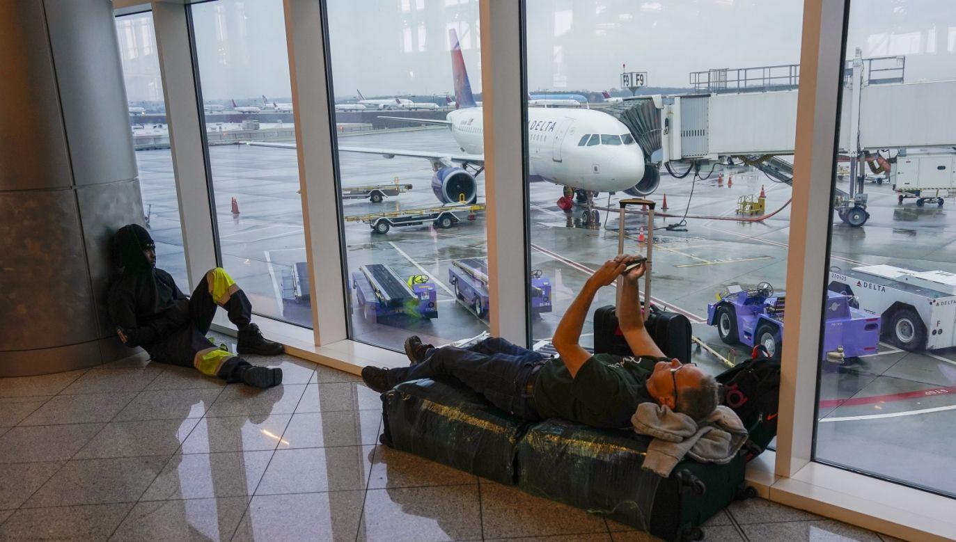 Lotnisko w Atlancie obsługuje codziennie 2,5 tysiąca samolotów z ok. 275 tys. pasażerów (fot. PAP/EPA/ERIK S. LESSER)