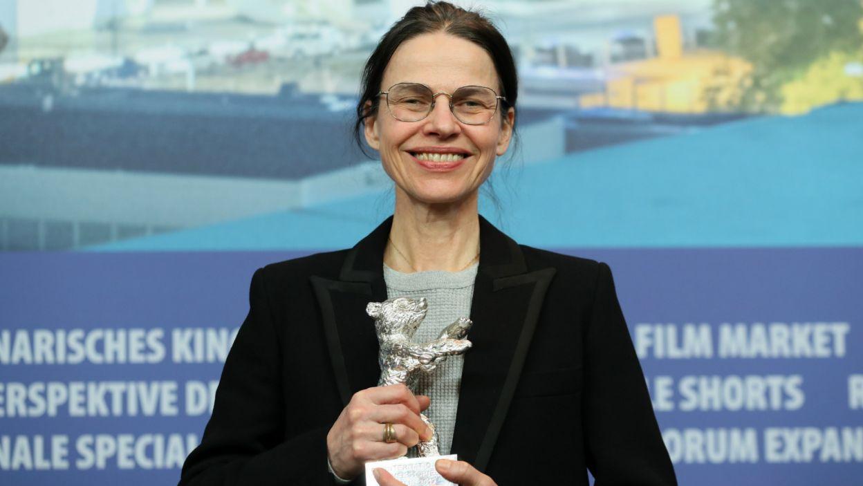 Angela Schanelec ze Srebrnym Niedźwiedziem za najlepszą reżyserię (fot. EPA/HAYOUNG JEON)