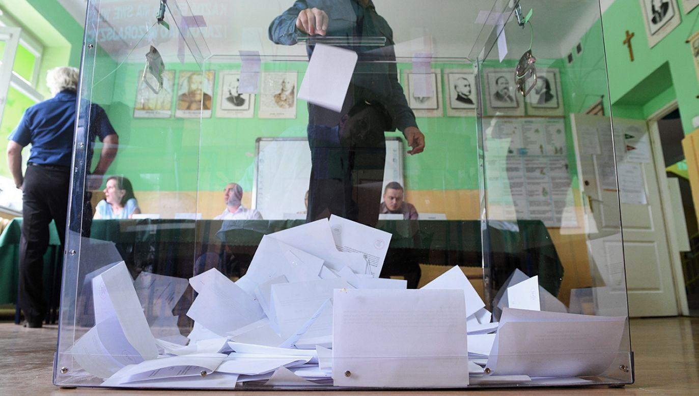 Wielu kandydatów do rad gmin wybory już wygrało, bo są jedynymi ubiegającymi się o to ten urząd  (fot. arch. PAP/Jacek Turczyk)