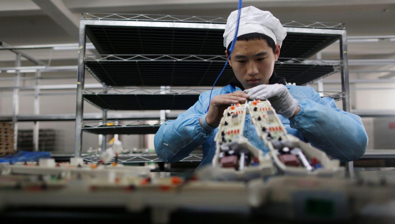 Chińska fabryka urządzeń elektronicznych (fot. REUTERS/William Hong)