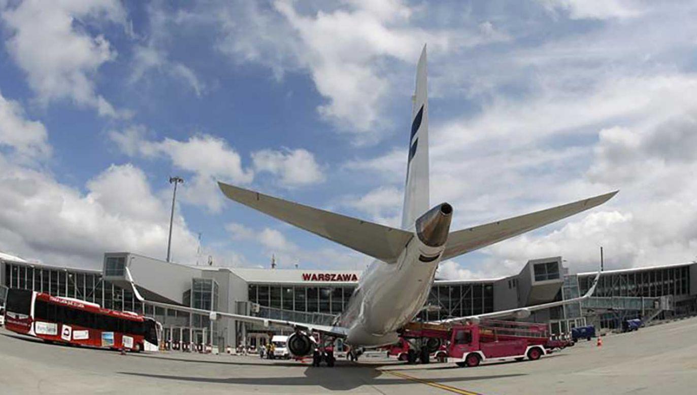 Przewoźnicy wskazują, że przepustowość lotniska na Okęciu już się wyczerpuje (fot. REUTERS/Peter Andrews)