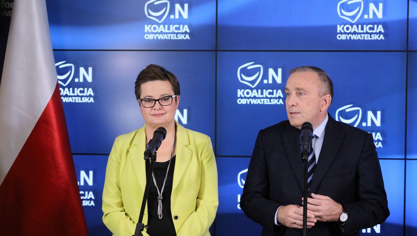 Liderka Nowoczesnej Katarzyna Lubnauer i lider PO Grzegorz Schetyna (fot. PAP/ Paweł Supernak)