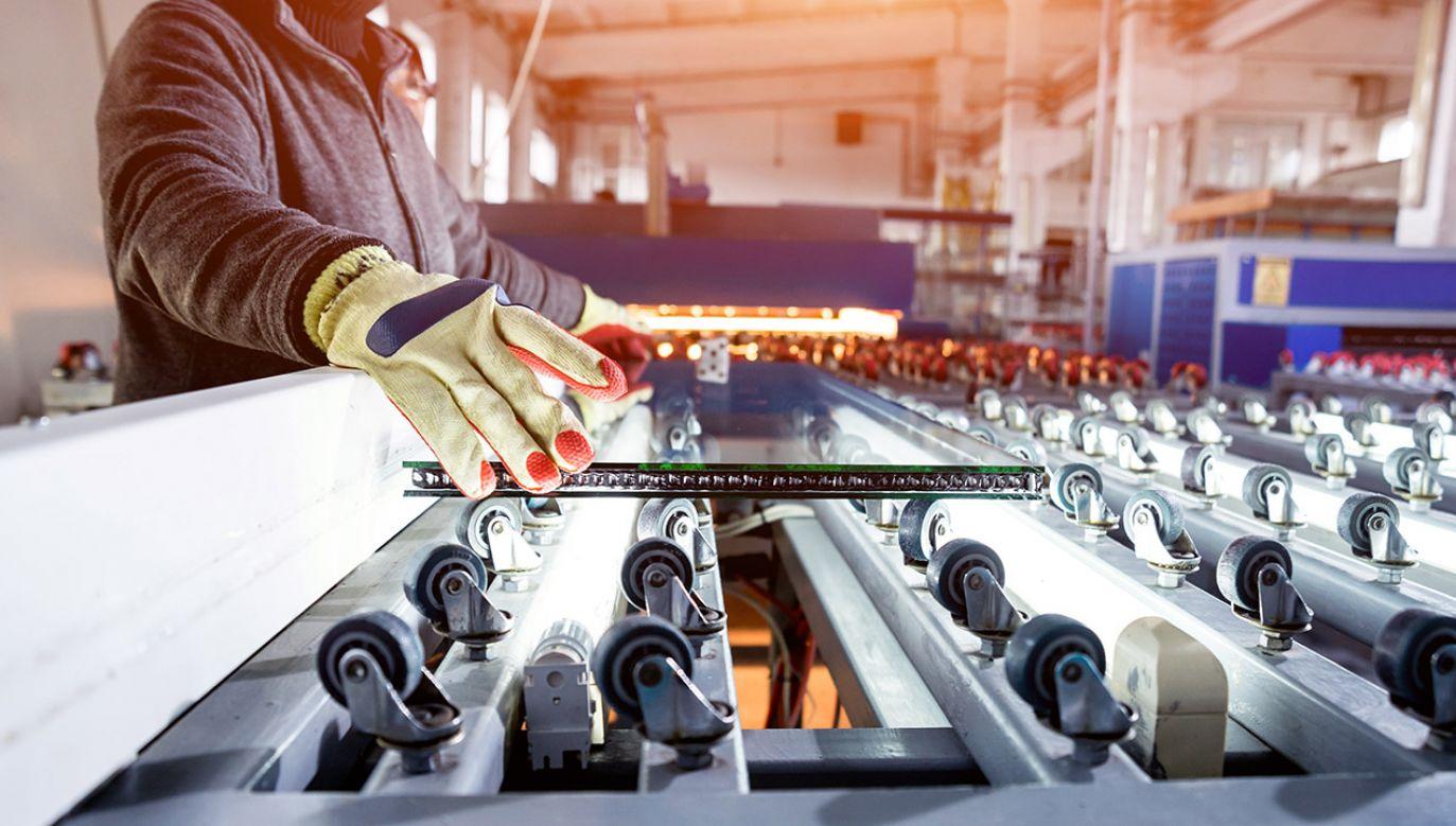 Wzrost produkcji rok do roku wyniósł w październiku 7,4 proc. (fot. Shutterstock/Romaset)