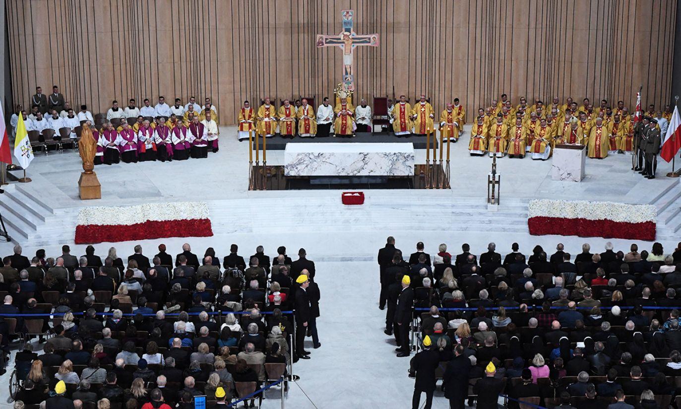 Msza święta za Ojczyznę wŚwiątyni Opatrzności Bożej, w ramach obchodów Święta Niepodległości (fot. PAP/Jacek Turczyk)