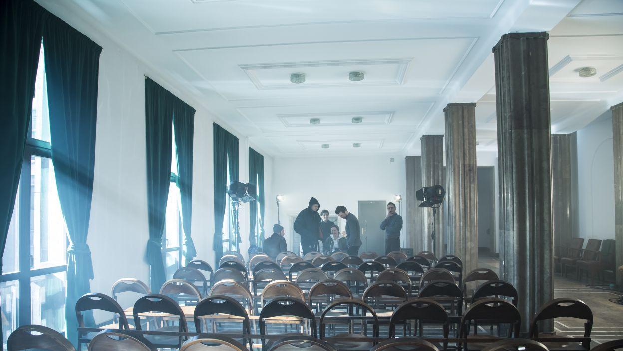 Dyrektor wrócił do reżyserowania, z Divą i Nestorem pracuje nad premierą spektaklu o polskich kibicach. (fot. Maria Wytrykus/TVP).