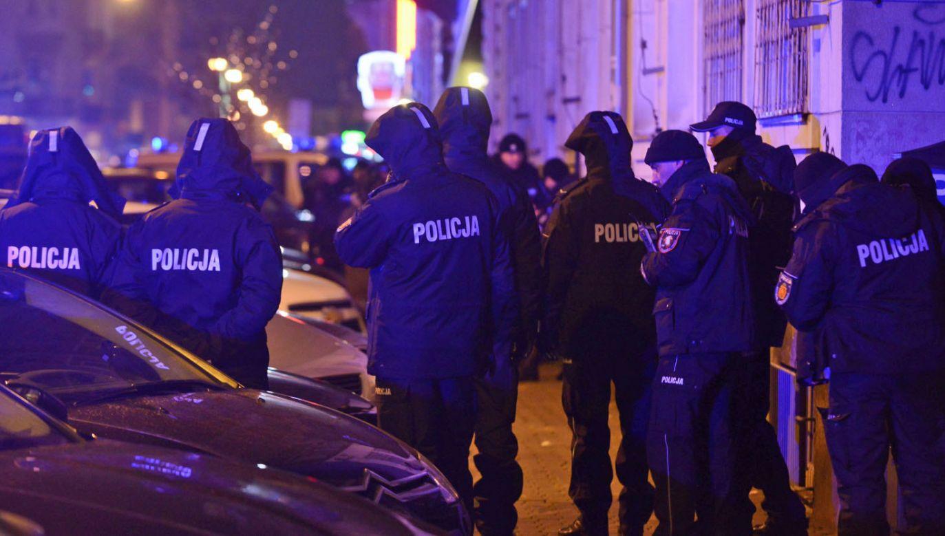 """Goście programu """"Minęła 8"""" mówili o incydentach podczas protestów opozycji (fot. PAP/Jakub Kamiński)"""