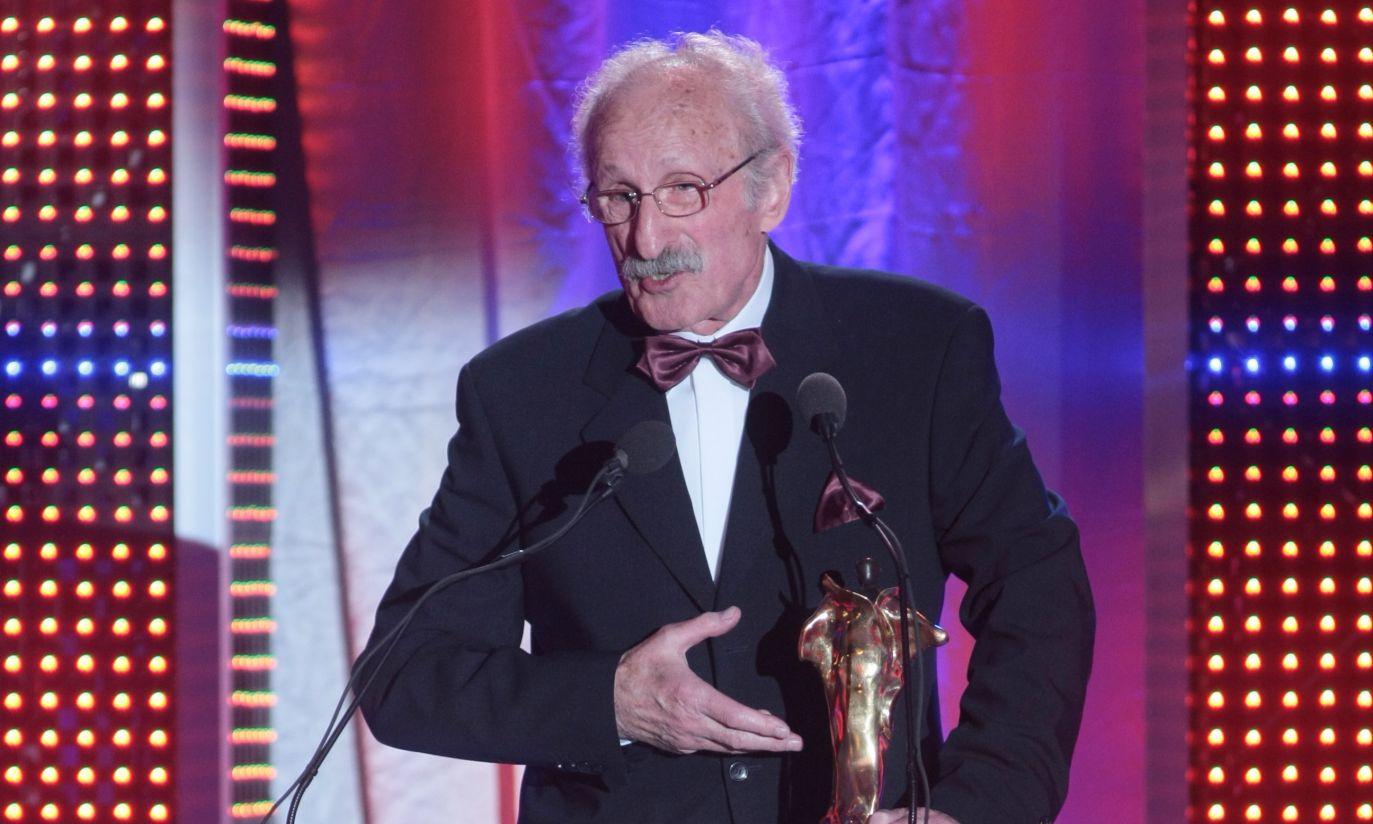 Super Wiktora za całokształt osiągnięć otrzymał aktor filmowy i teatralny Franciszek Pieczka (fot. PAP/Leszek Szymański)