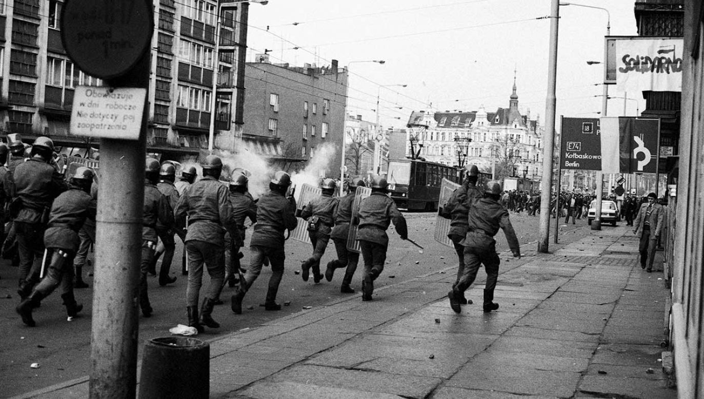 Stan wojenny, Szczecin grudzień 1981 r. (fot. arch.  PAP/Jerzy Undro)