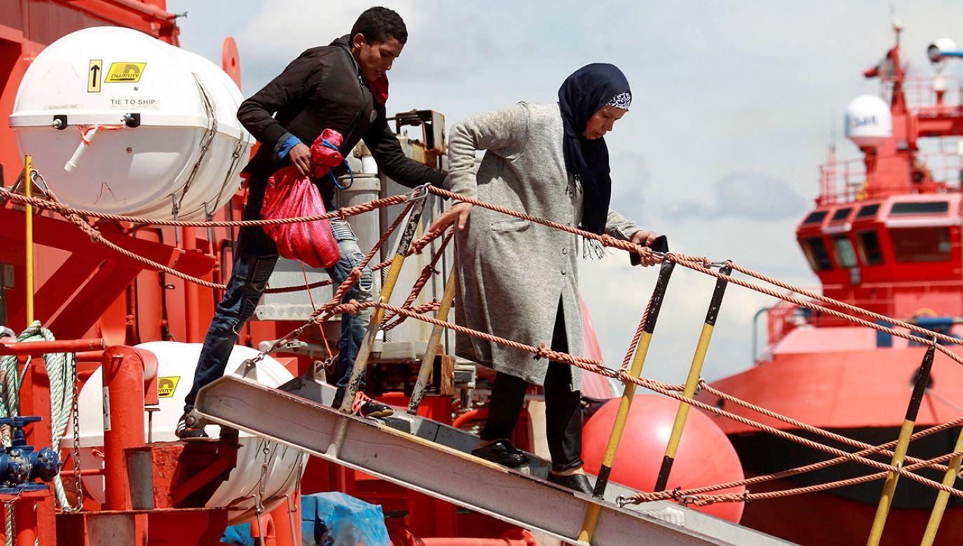 W ostatnich dniach pojawiły się informacje, że z wybrzeży Libii gotowych jest wyruszyć do Europy od 100 do kilkuset tysięcy migrantów (fot. PAP/EPA/A.CARRASCO RAGEL)