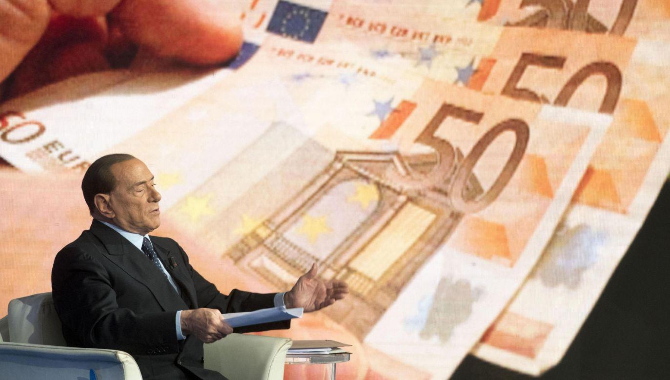 Berlusconi liczy, że dzięki emerytom uda mu się osiągnąć dobry wynik podczas wyborów (fot. PAP/EPA/CLAUDIO PERI)