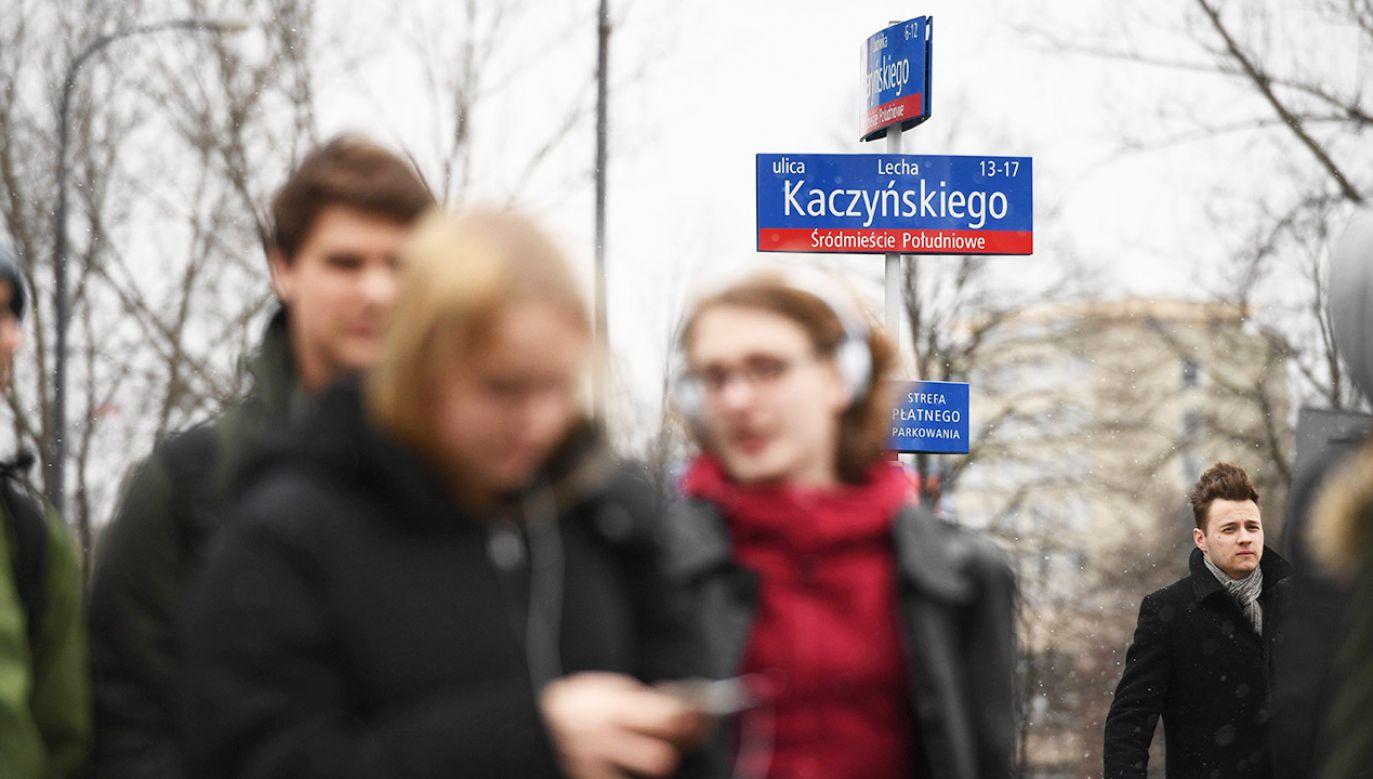 Zarządzenia wojewody zmieniające nazwy ulic w Warszawie w związku z ustawą dekomunizacyjną zostały uchylone (fot. arch.PAP/Jacek Turczyk)