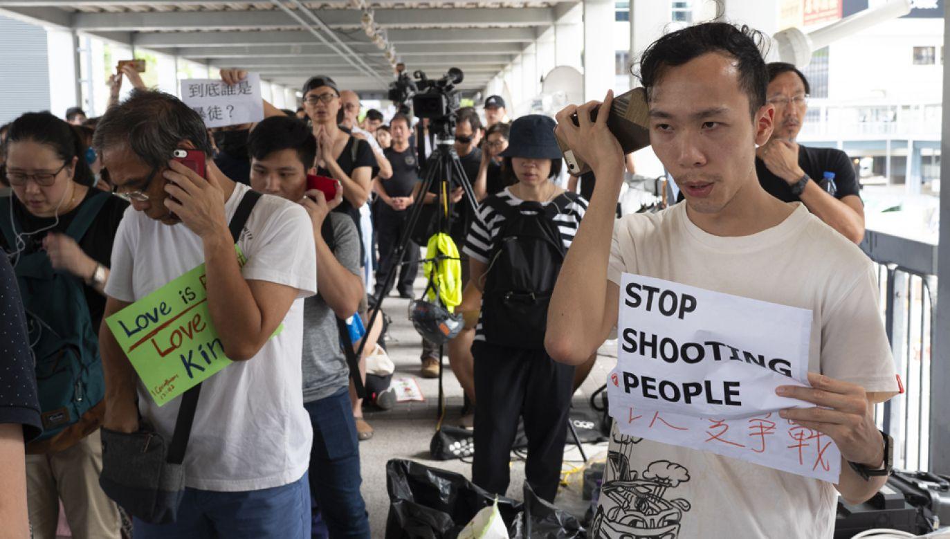 Podczas protestów przed kilkoma dniami na ulicach dzielnicy rządowej policja użyła wobec demonstrantów m.in.: gazu łzawiącego i gumowych nabojów(fot. Stephen J. Boitano/LightRocket via Getty Images)