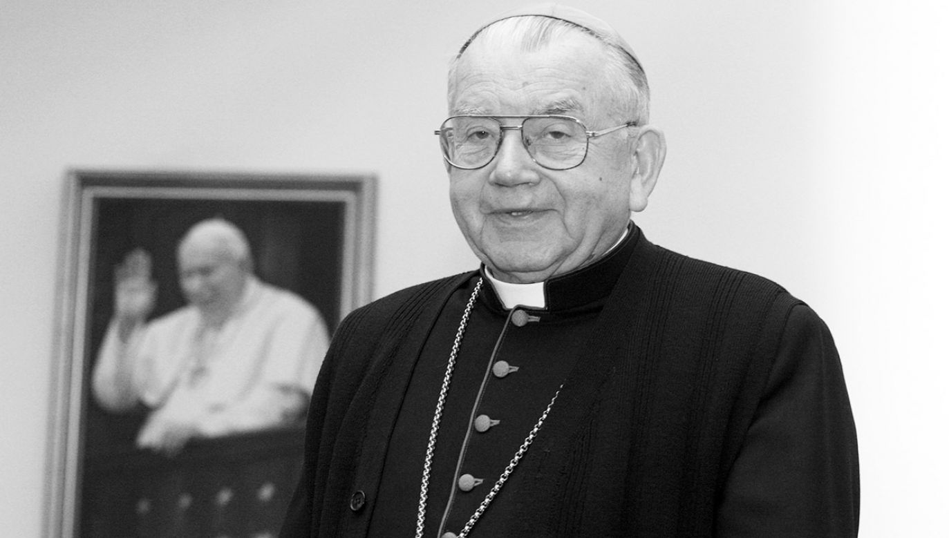 Szczegóły dotyczące pogrzebu biskupa seniora zostaną podane w najbliższych dniach (fot. arch.PAP/Tomasz Gzell)