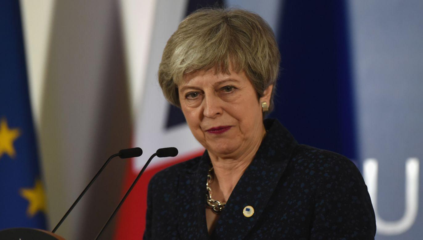 Brytyjskie media od kilku dni spekulują, co moze sie stać z premier Theresą May, która obarczana jest odpowiedzialnością za fiasko rozmów o opuszczeniu UE przez Wielką Brytanię (fot. Pier Marco Tacca/Getty Images)