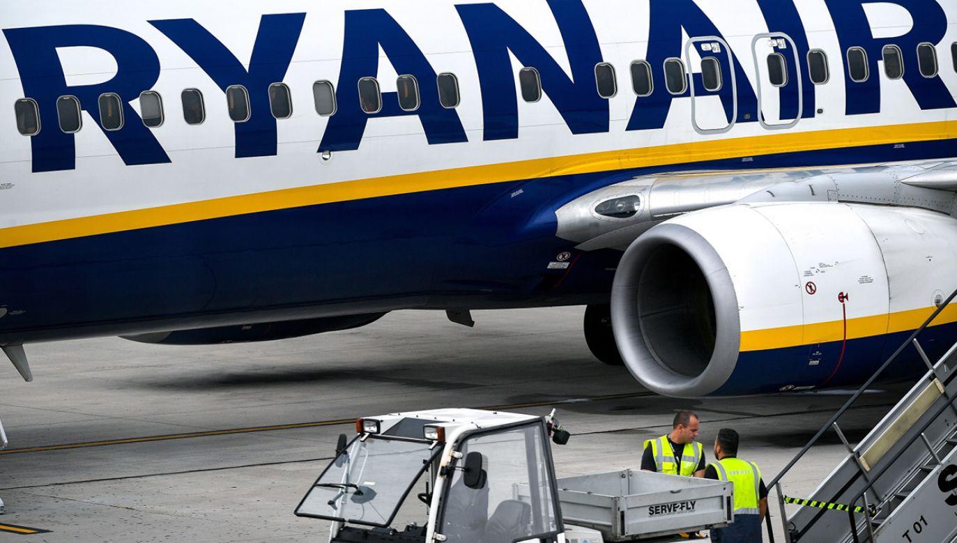 Odwołanych zostało około 400 lotów, w tym również połączenia z Polską (fot.PAP/EPA/SASCHA STEINBACH)