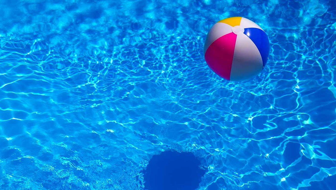 Ogrodowe baseny, rozkładane na lato, mogą być śmiertelnie niebezpieczne dla najmłodszych (fot. Shutterstock/Vladislav Gajic)