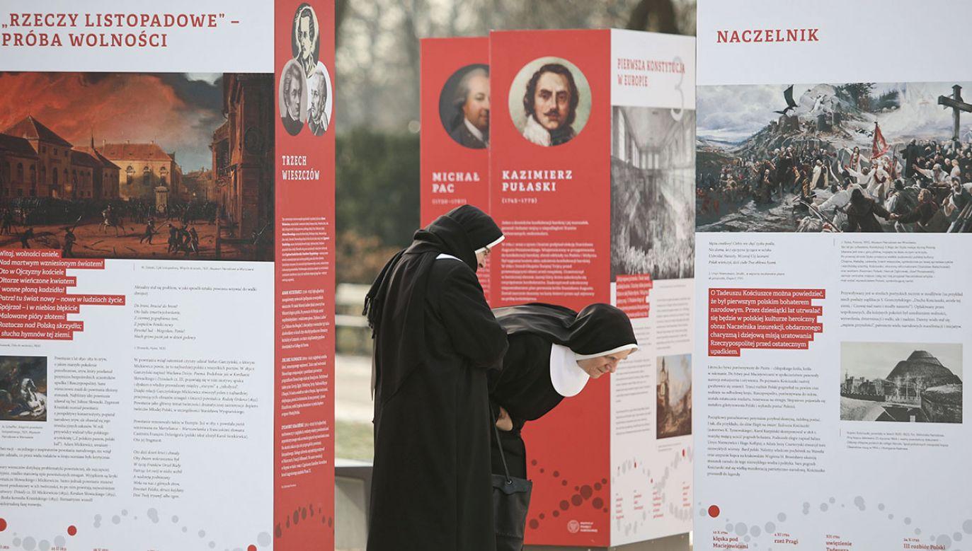 """""""Fenomen genu niepodległości, o którym chcemy przez tę wystawę opowiedzieć, to jest fenomen wspólnoty"""" (fot. PAP/Leszek Szymański)"""