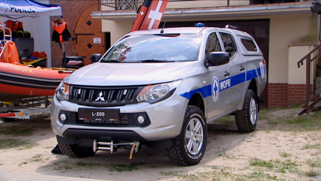 Ratownicy WOPR otrzymali samochód terenowy