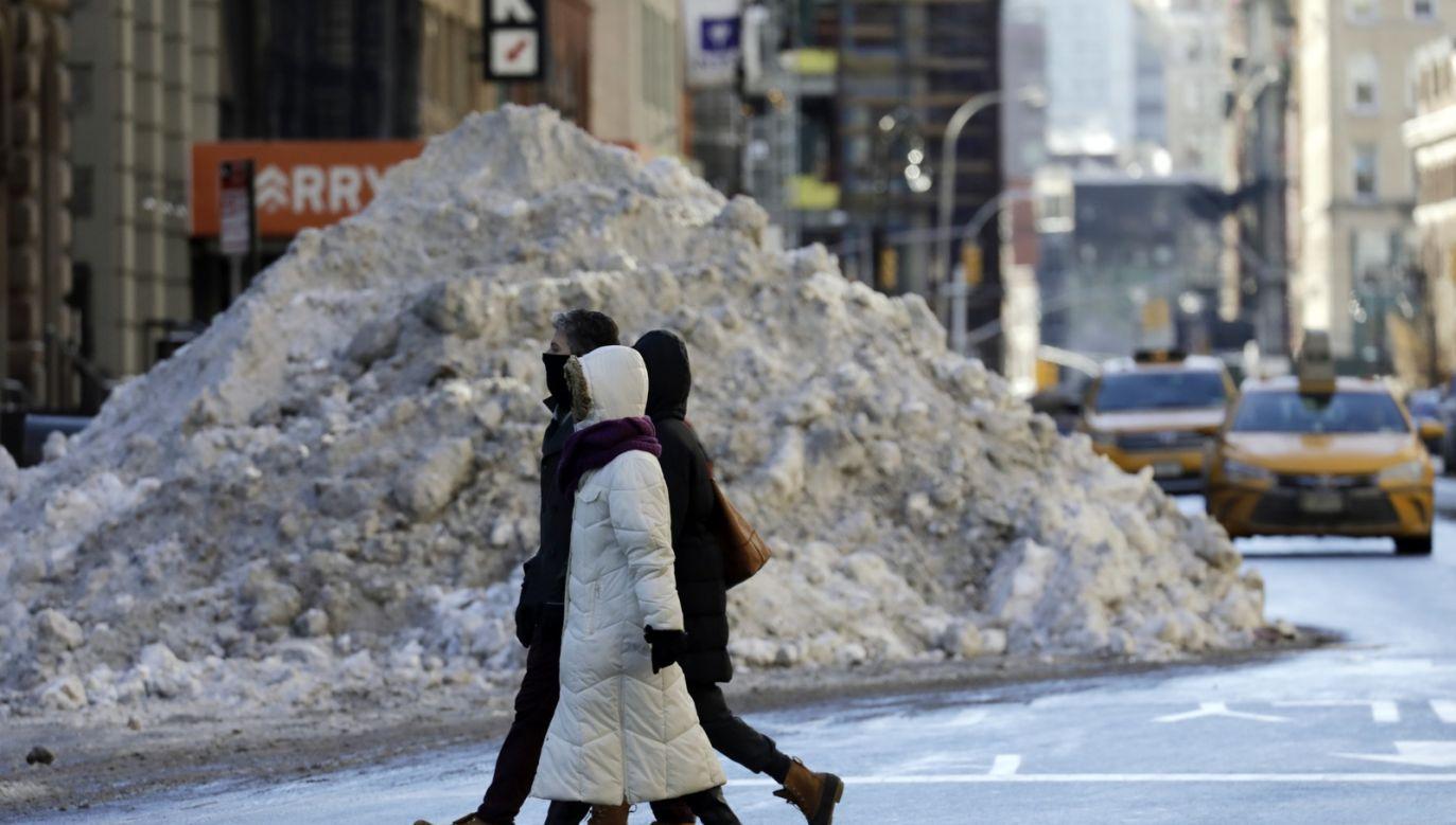 W Bostonie zanotowano w niedzielę rano temperaturę minus 19 st. C (fot. PAP/EPA/JASON SZENES)