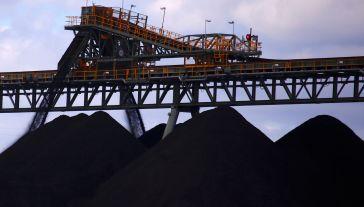 Jak podaje Eurostat, w 2017 r. wwieźliśmy do Polski 13,3 mln ton czarnego paliwa (fot. REUTERS/David Gray)