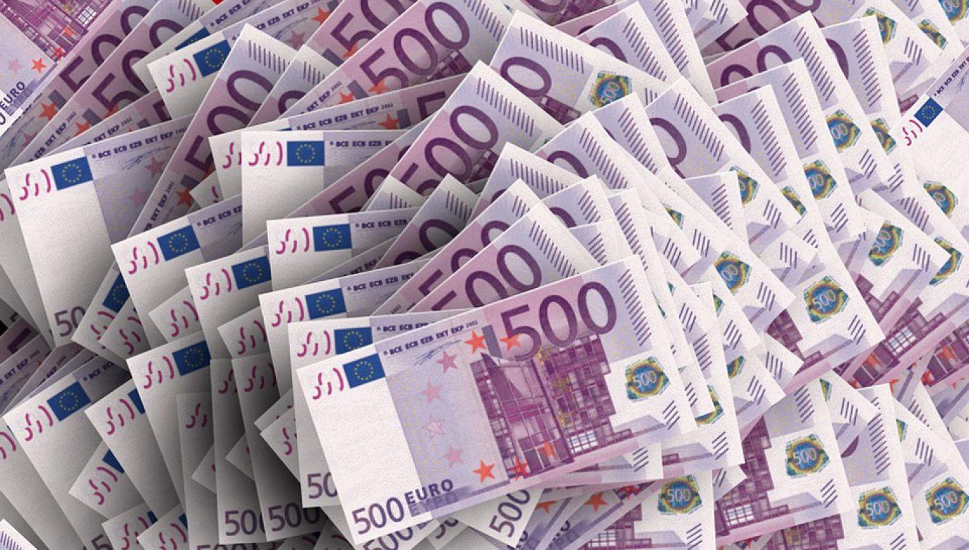 PE przegłosował stanowisko dotyczące propozycji powiązania dostępu do funduszy UE ze stanem praworządności (fot. Pixabay/geralt)
