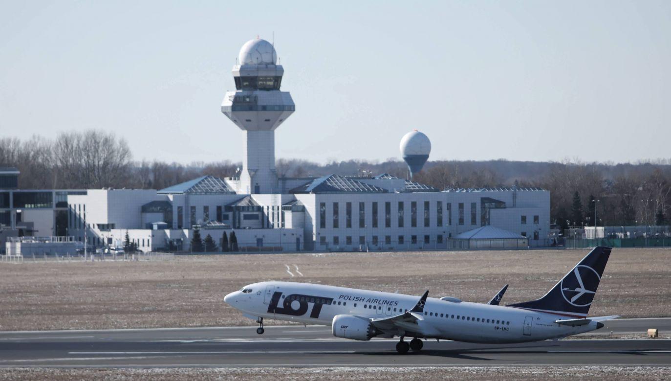 Rozwój połączeń LOT-u jest możliwy m.in. dzięki pozyskiwaniu kolejnych samolotów (fot. PAP/Leszek Szymański)